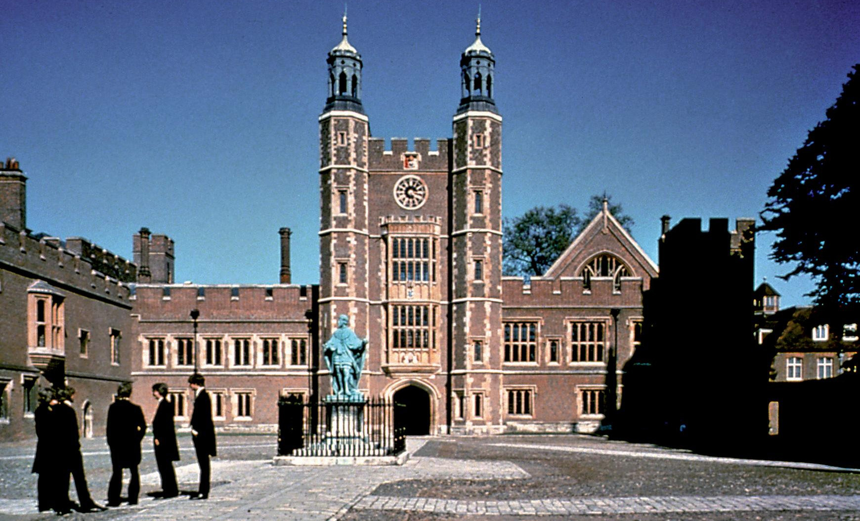 Tours round Eton College this summer - small groups welcome (From ...