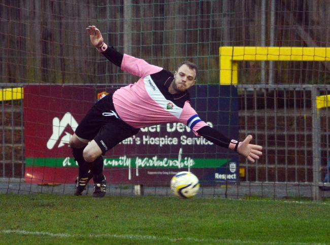 Ex-Windsor goalkeeper and captain Carl Dennison has left the club to join Ascot United.