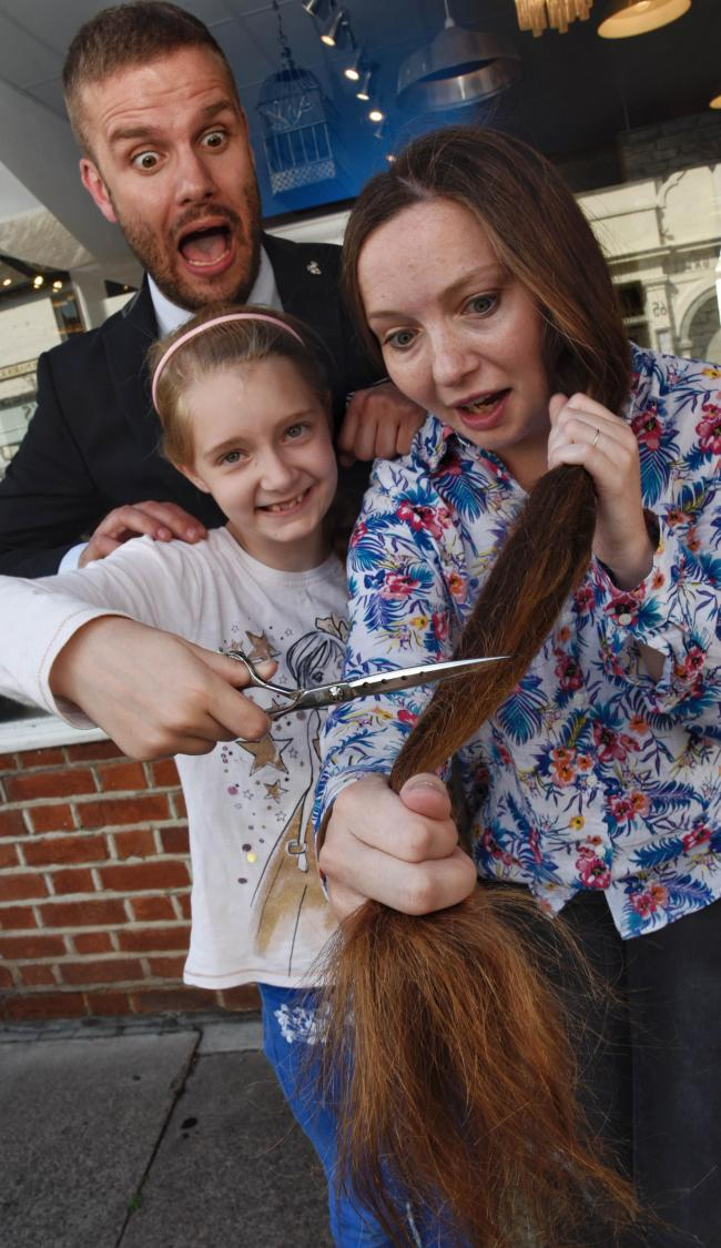 Fundraising Windsor Aunt And Niece Pair Chop Hair For The Little