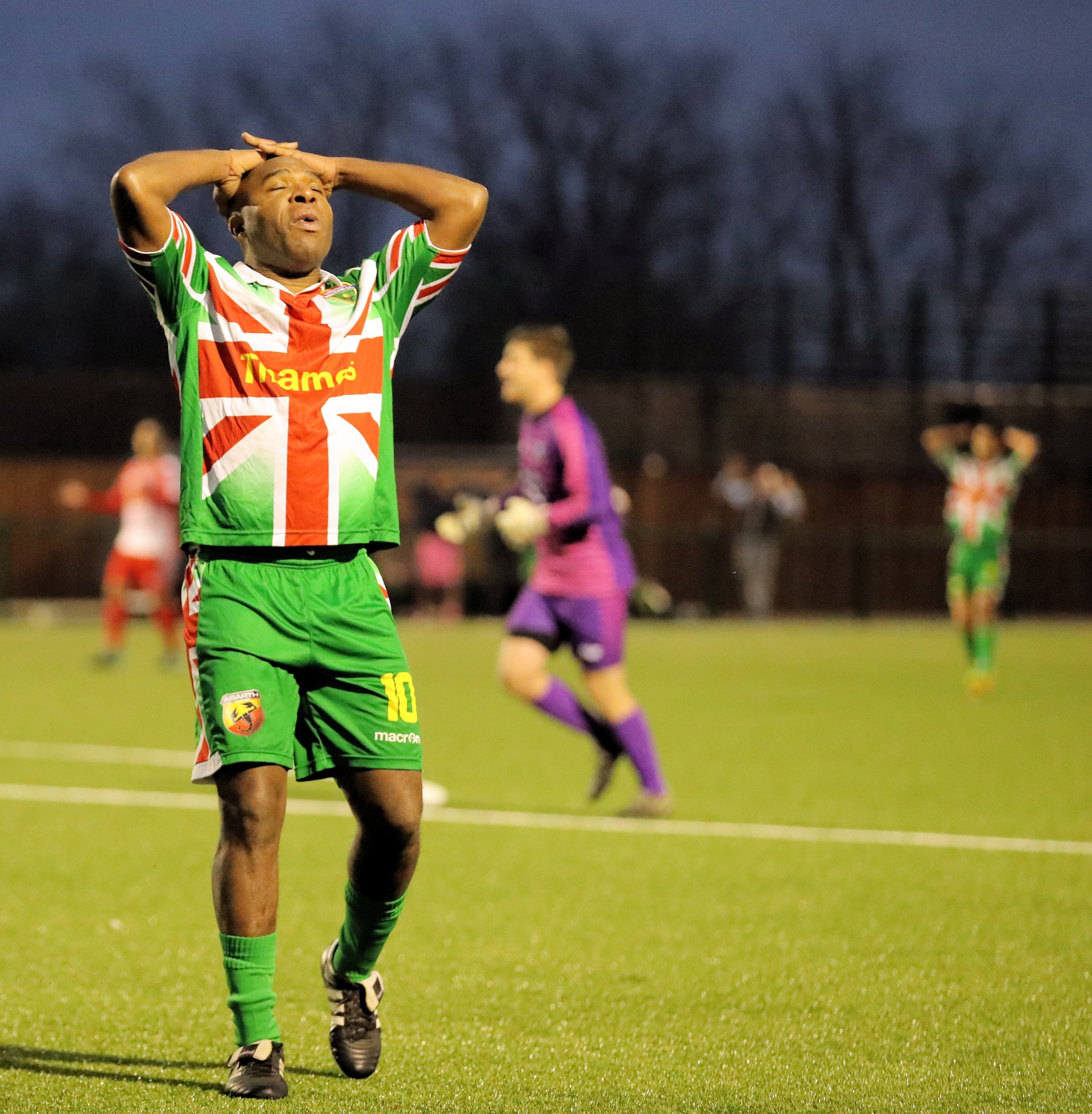 Former professional and now Windsor striker Barry Hayles will miss the FA Vase fifth round proper tie against Hamble Club this Saturday due to a broken bone in his hand.