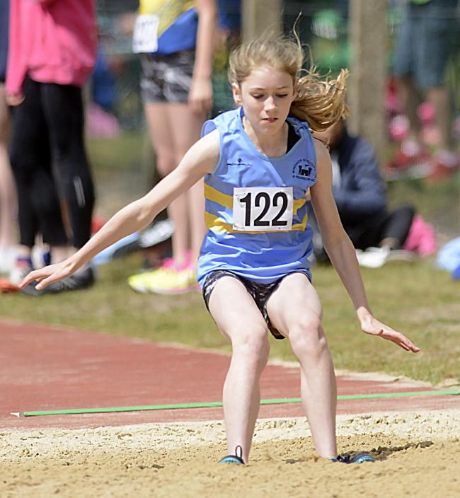 Charlotte Dewar helped the WSEH Under-15 girls team to win gold in the National Championships.