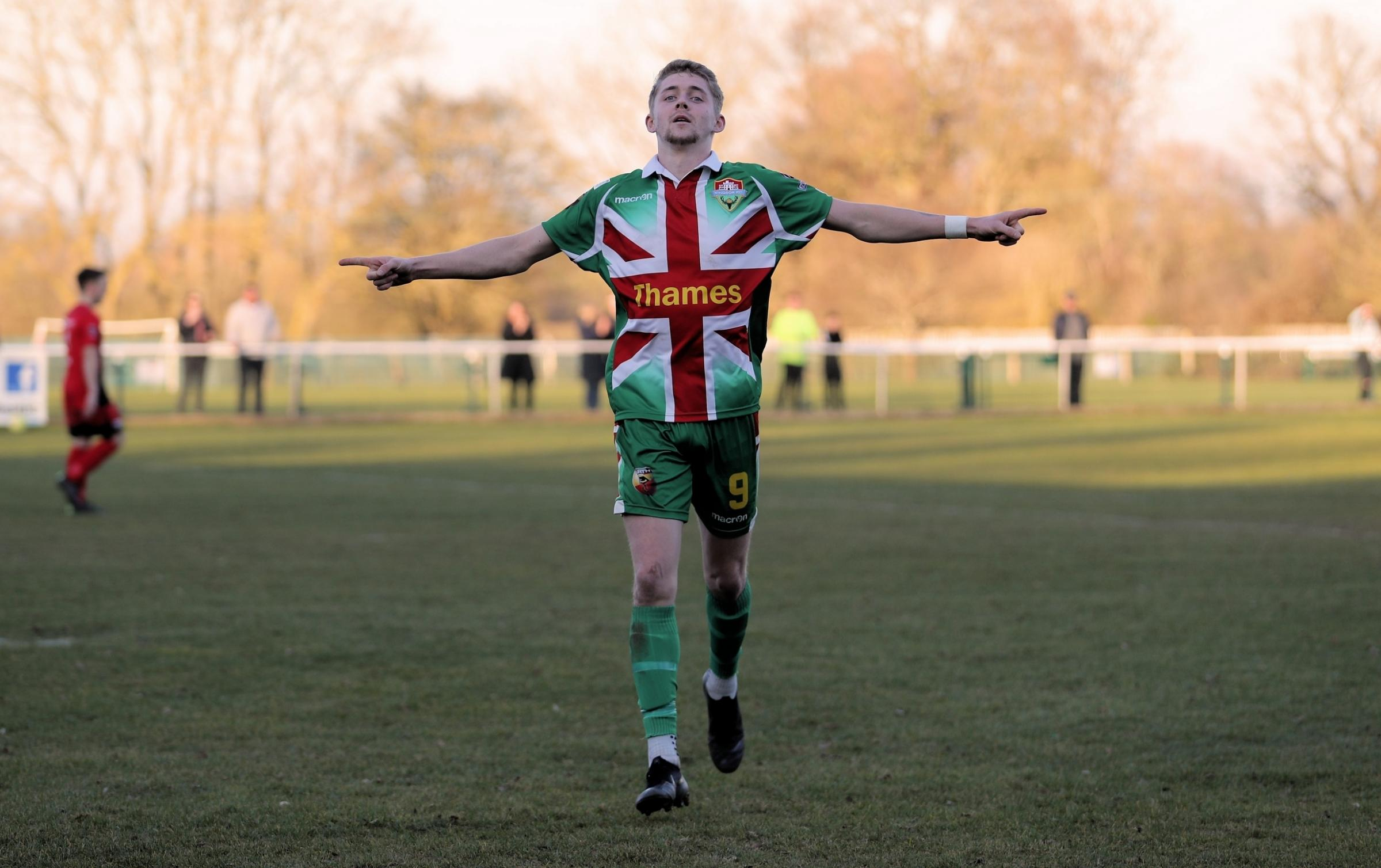 190276 Daniel Roberts scores his and Windsor's 2nd goal Binfield 0:2 Windsor. Pictures by Gary House..